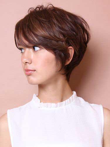 Các mẫu tóc ngắn xoắn lọn to