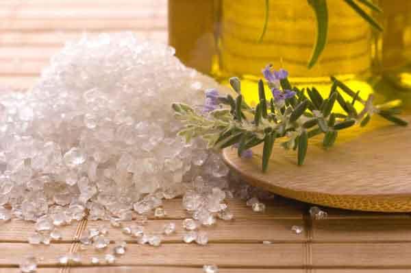 Trị gàu bằng muối, dầu oliu và chanh
